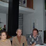 Luciano Chinese con Alan Jones e la moglie nella casa studio di Luciano Chinese
